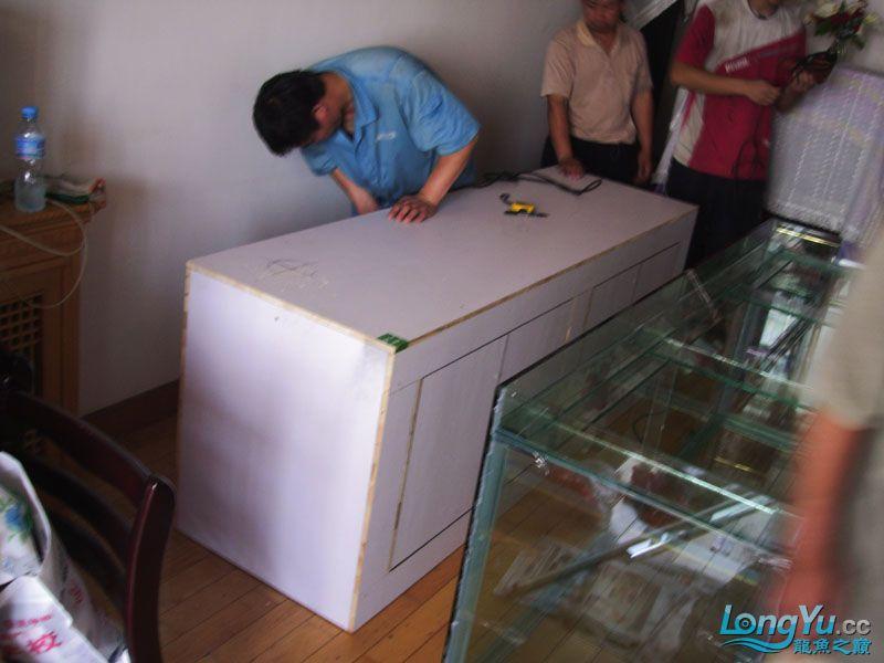 看看我订做的2米的缸~~~~~~ 绵阳龙鱼论坛 绵阳水族批发市场第16张