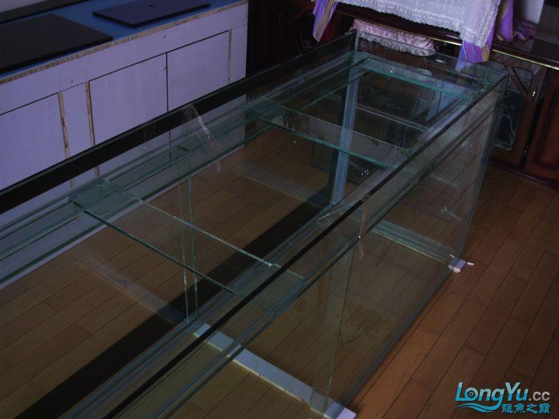 看看我订做的2米的缸~~~~~~ 绵阳龙鱼论坛 绵阳水族批发市场第18张